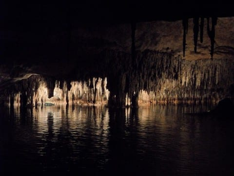 cave-374711_640